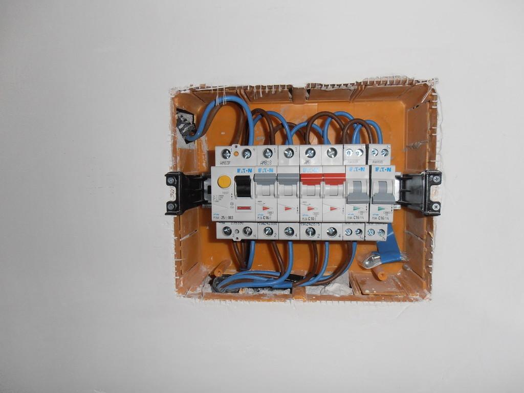 Schema Elettrico Quadro Casa : Quadro elettrico abitazione
